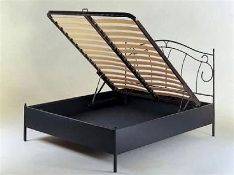 letto in ferro con contenitore offerte letti in ferro battuto moderni con contenitore prezzi