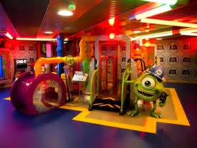 Rooms To Go Kids Disney by Nobody Creates A Fantasy The Way Disney Does 171 Mom