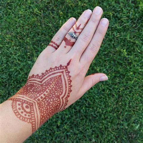 where do they do henna tattoos how do henna tattoos last 75 inspirational designs