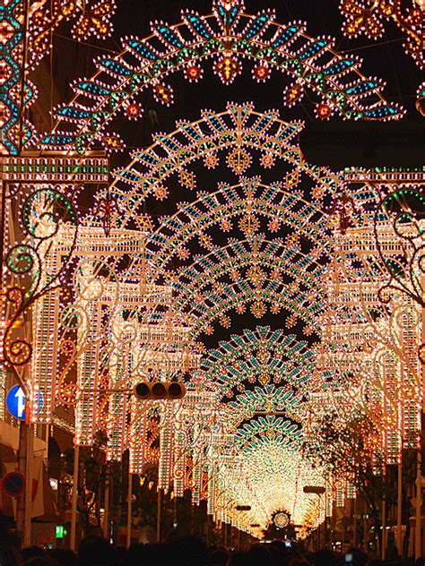 top 10 christmas lights displays cheapflights