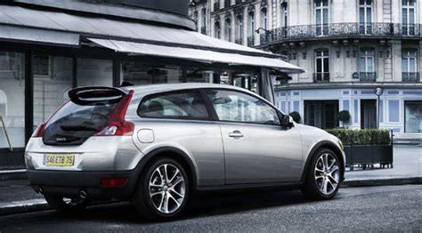 volvo   se  review car magazine