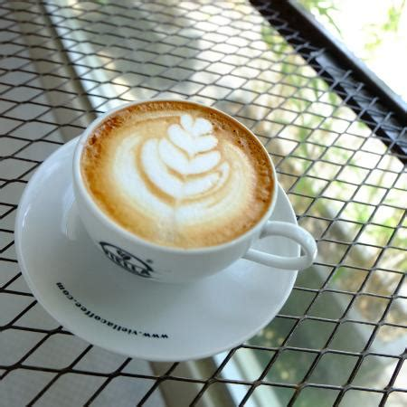 Foam Coffee And Laundry Koin foam coffee coin laundry denpasar restaurant reviews phone number photos tripadvisor