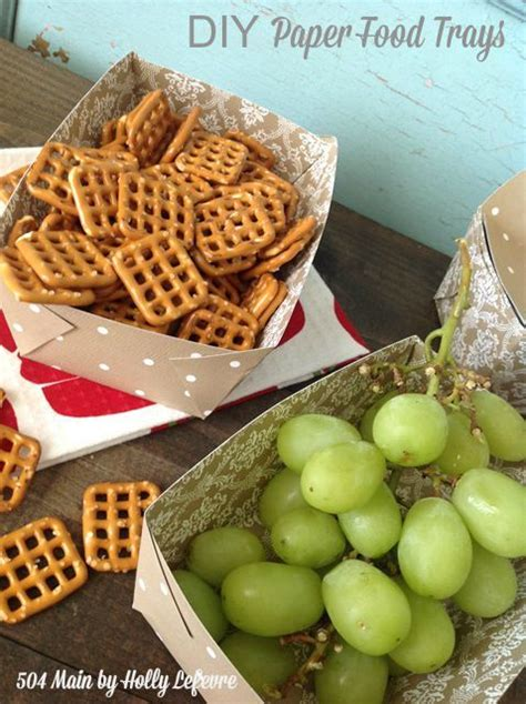 diy paper fodo trays are great for snakcs and parties