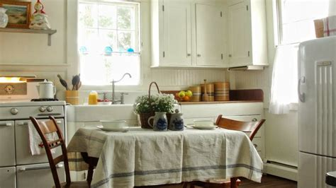 Decorating Houses Vintage Kitchen In A Cape Cod Cottage Kitchen