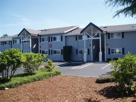 lake park apartments san diego lake park apartment homes rentals everett wa