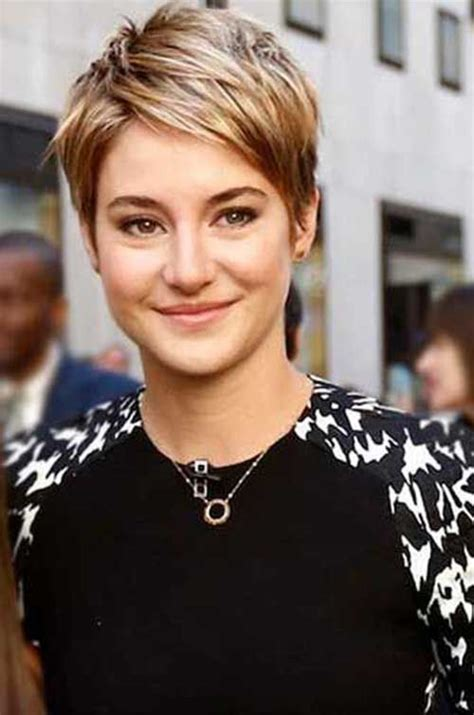 high foreheaf hair styles for women 40 years abd up oval face 16 gorgeous looking pixie hairstyle ideas pixie cut