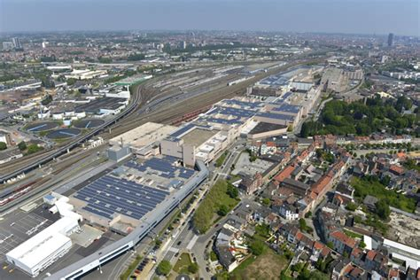 Audi Brussel by Dak Vol Zonnepanelen Audi Brussels Autowereld