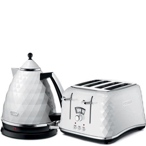 Delonghi Brilliante Kettle And Toaster White De Longhi Brilliante 4 Slice Toaster And Kettle Bundle
