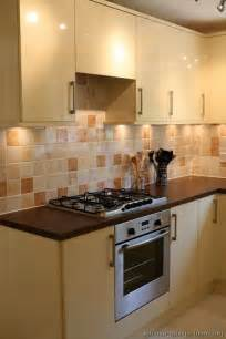 Kitchen Backsplash Ideas With Cream Cabinets by Pictures Of Kitchens Modern Cream Amp Antique White Kitchens