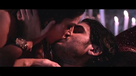 hot bedroom sceans sunny leone smoking hot bedroom scene caps from ragini mms 2 vantage point