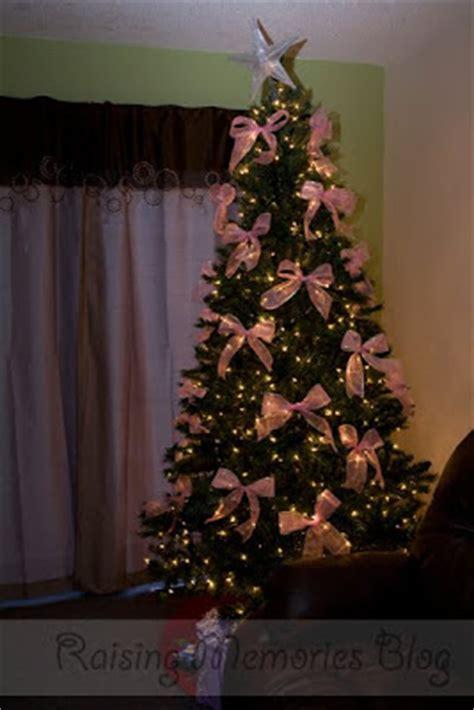 how to tie ribbon around a christmas tree tree bows