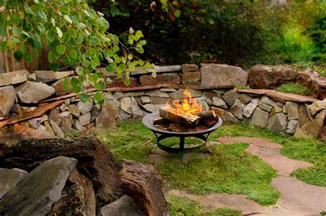 decorar patio con bancos 25 ideas de dise 241 os r 250 sticos para decorar el patio