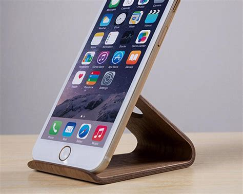 wooden iphone holder by samdi 187 gadget flow