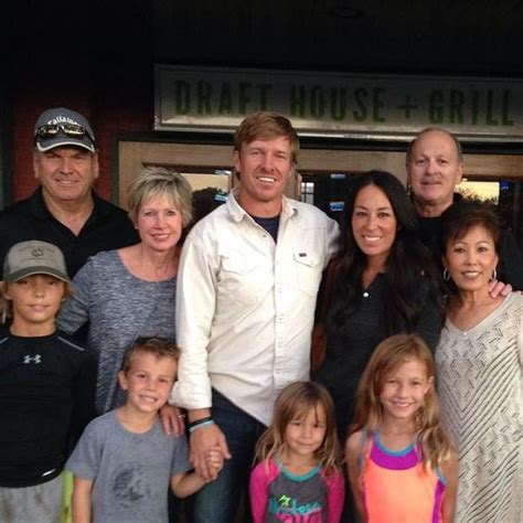 joanna gaines parents chip and joanna gaines with their children and parents