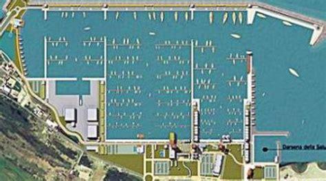 porto di fiumicino lavori al porto turistico a fiumicino sassi il