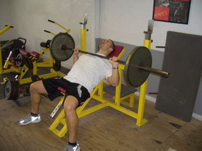 different bench presses bench press question different between decline and incline