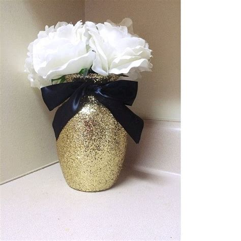 Gold Vases For Wedding by Best 25 Gold Vases Ideas On Painted Vases