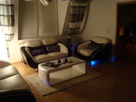 wohnzimmer stühle mit armlehne schlafzimmer ruckwand gestalten speyeder net