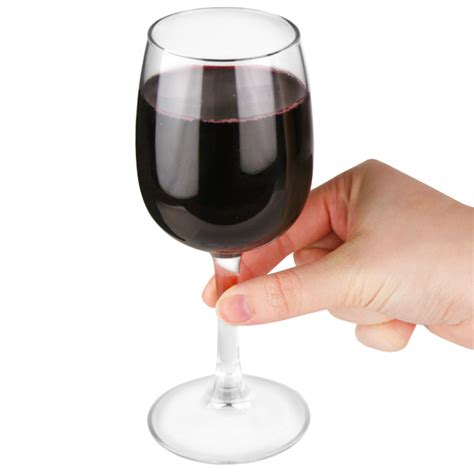 Help Wine Overboard by Elisa Wine Glasses 8oz Lce At 175ml Drinkstuff