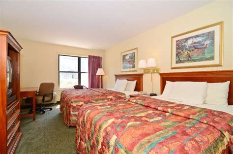 americas best value inn in lake louis mo restaurant pets allowed non rooms americas best value inn lake st louis 51 7 0 prices hotel reviews lake louis