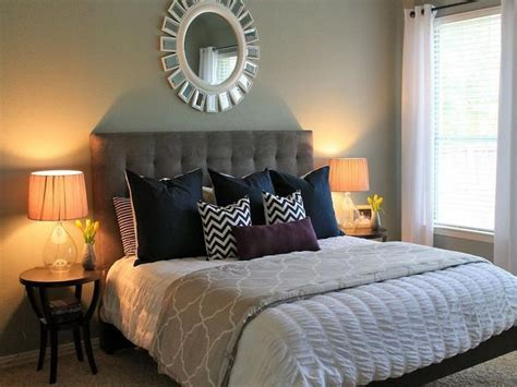 small spare bedroom ideas 25 best ideas about small guest bedrooms on pinterest