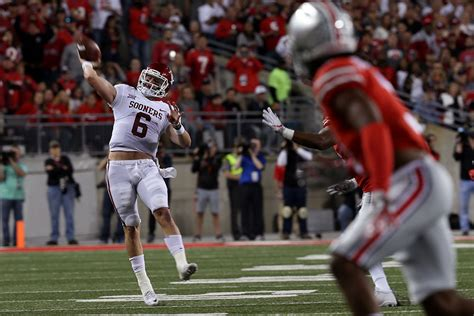 Www Mba Records Basketball Mayfield by Oklahoma Football Baker Mayfield Passes Sam Bradford As