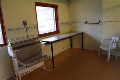 Meja Nyetrika ruang cuci apartemen bebenyabubu