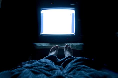 watching tv before bed is screen time before bed impacting your sleep