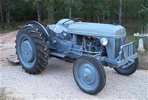 1944 ford 2n tractorshed