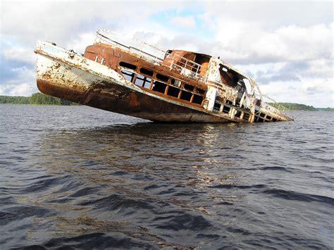 speed boat wreck shipwreck linda n edelstein ph d