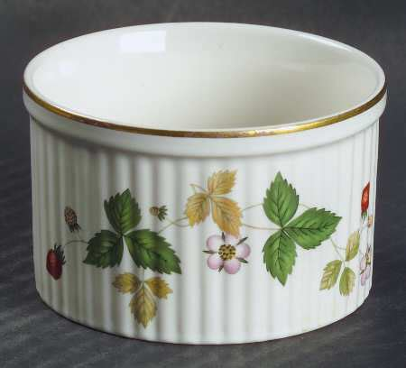 wedgwood strawberry oven to table wedgwood strawberry bone at replacements ltd page 1