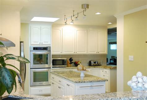 houzz painted kitchen cabinets painted oak cabinets traditional kitchen san