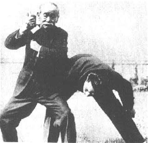 judo kyohon translation of masterpiece by jigoro kano created in 1931 books maestros marciales jigoro kano judo kodokan