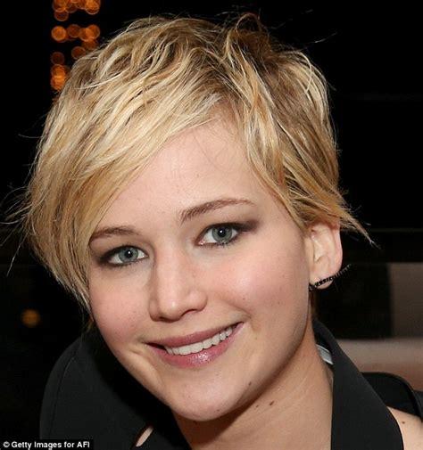 she cut her hair very short ennifer lawrence oozes hollywood glam as karlie kloss says