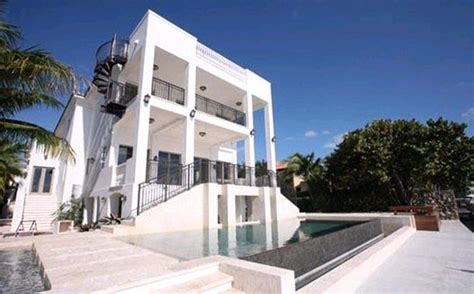 lebron james house lebron james buys miami mansion for 9 million home in u s venegas