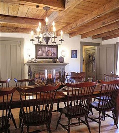 Colonial Style Dining Room Furniture by Eye For Design Decorating In The Primitive Colonial Style