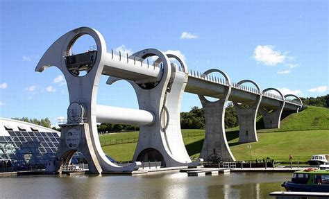 no sea em boat lift the falkirk wheel damn cool pictures