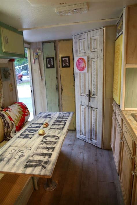 Trailer Decorating Ideas by 1000 Ideas About Vintage Cer Decorating On