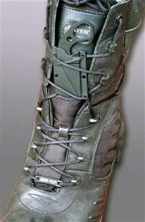 how to wear a boot knife 1000 ideas about neck knife on knives custom