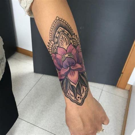 pinterest tattoo unterarm unterarm tattoo frau mandala lotosblume farbe tattoo
