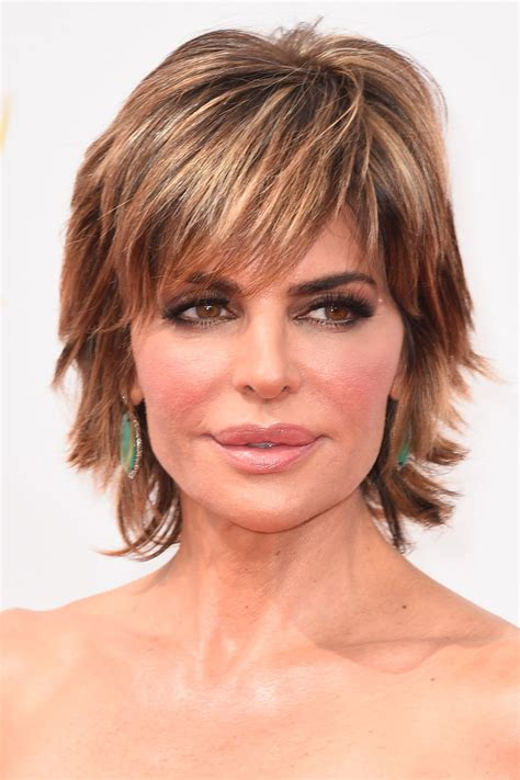 lisa rinna razor cut lisa rinna layered razor cut short hairstyles lookbook