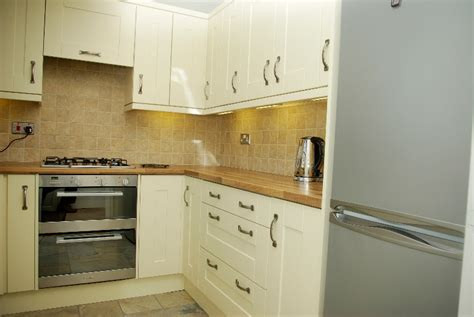 wood kitchen cabinets just one way to feature natural material modern kitchen designs photo gallery laminate benchtops