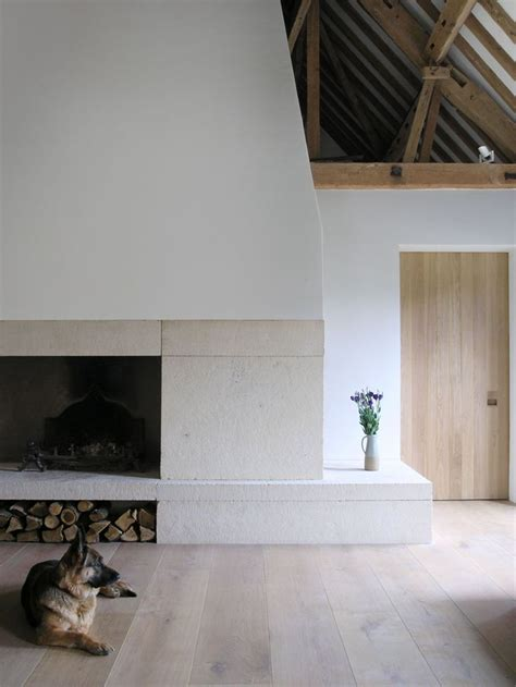 Fireplaces Oxfordshire by Best 25 Stucco Fireplace Ideas On Concrete Fireplace Minimalist Fireplace And