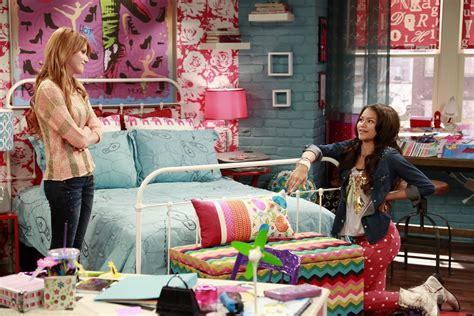 wizards of waverly place bedroom alex russo bedroom www redglobalmx org