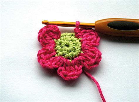 free pattern on how to crochet flowers savvy housekeeping 187 crochet a newborn flower blanket