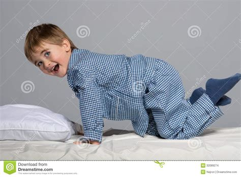 little boy beds little boy in bed stock images image 32089274