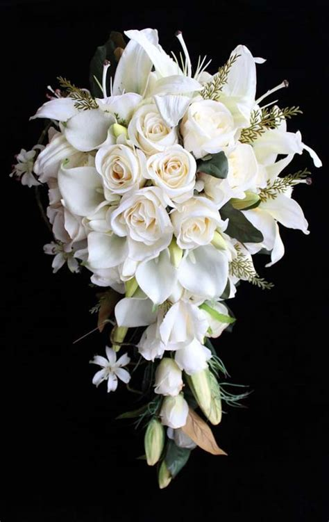 White Wedding Bouquets For Brides by 27 Stunning Wedding Bouquets For November
