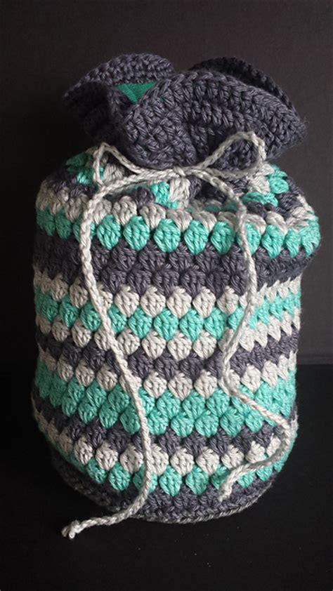 crochet toiletry bag pattern crochet patterns galore striped cluster toiletry bag
