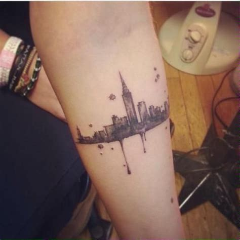 city skyline tattoo designs imagen de city and arm tattoos