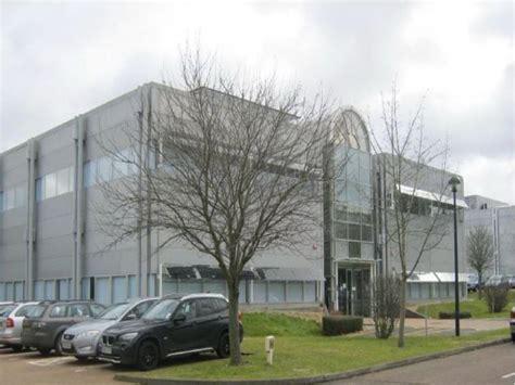 buy house in bracknell office to rent phoenix house bracknell berkshire rg12 1rr